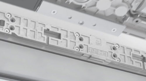 Geze PowerTurn zatvarač za teška vrata.