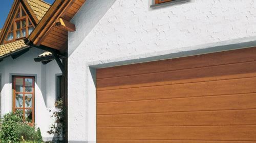 Garažna vrata model LPU sa BZ vođenjem.